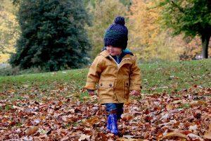 Vêtements évolutifs : pourquoi les choisir pour votre enfant?
